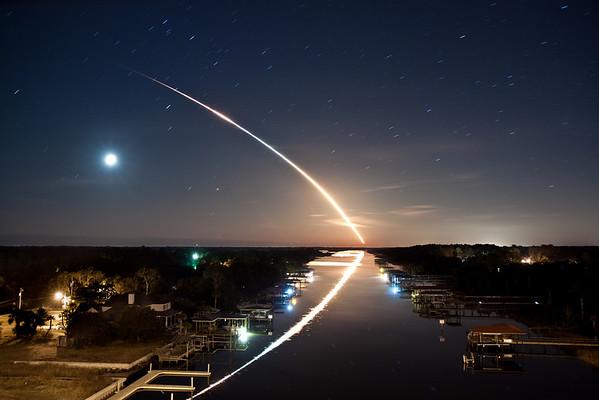 space shuttle endeavour launch reflection